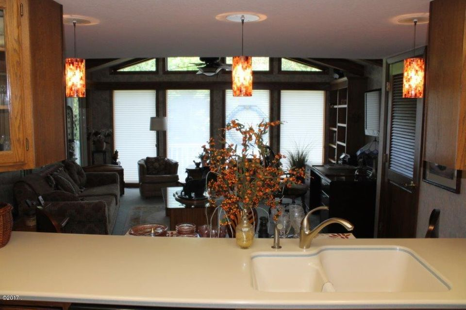 Additional photo for property listing at 648 Sylvan Court  Kalispell, Montana 59901 United States