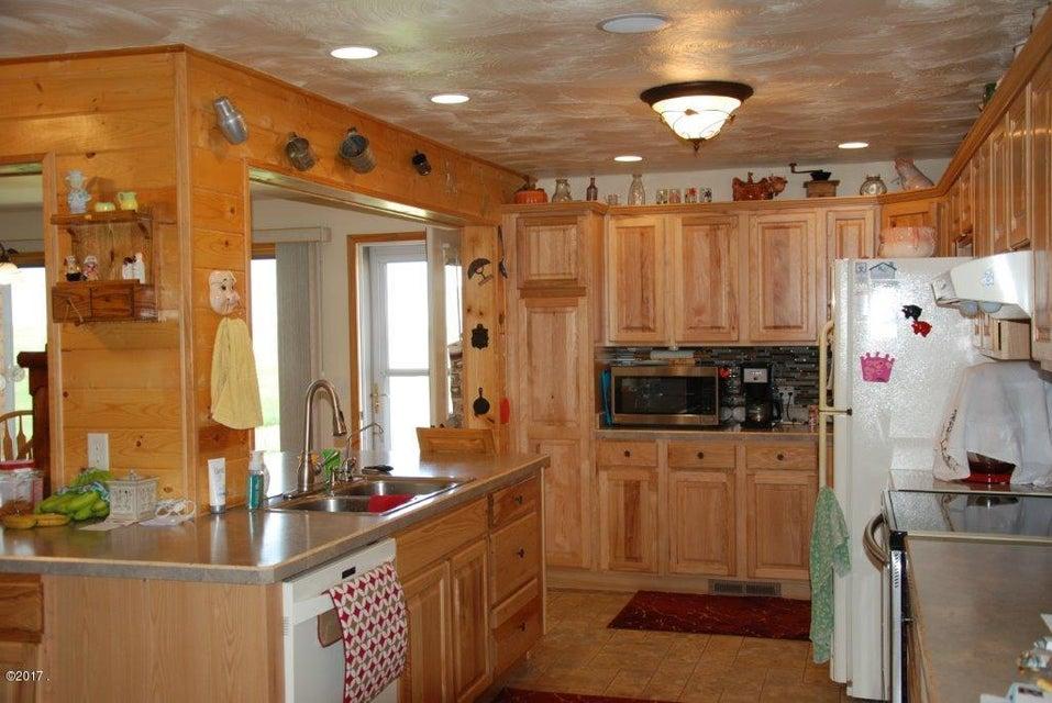 Additional photo for property listing at 349 Sandbak Road  Broadview, Montana 59015 United States