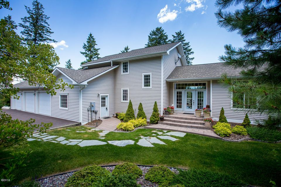 Single Family Home for Sale at 328 Glacier Ranch Road Kalispell, Montana 59901 United States