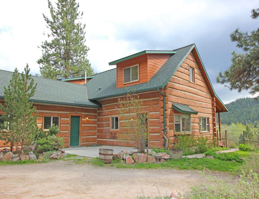 Single Family Home for Sale at 703 Hole In The Wall Road Potomac, Montana 59823 United States