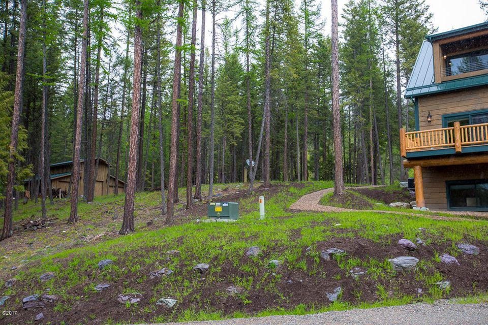 Additional photo for property listing at 2525 East Lakeshore Drive  Whitefish, Montana 59937 United States