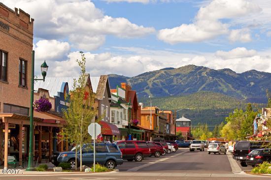Additional photo for property listing at 390 Sugarbowl Circle 390 Sugarbowl Circle Whitefish, Montana 59937 United States