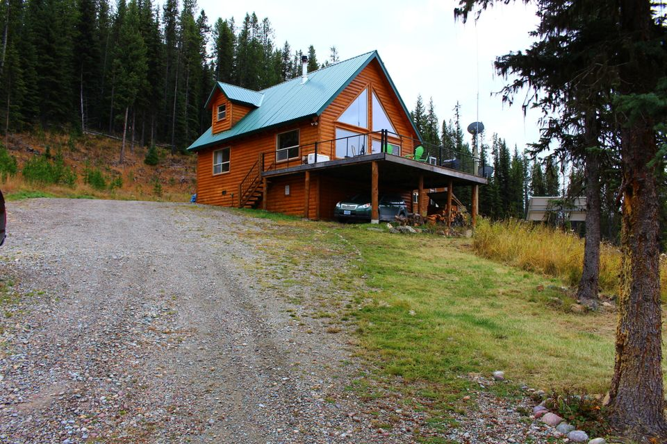 Single Family Home for Sale at 3380 Gregg Creek Road Olney, Montana 59927 United States