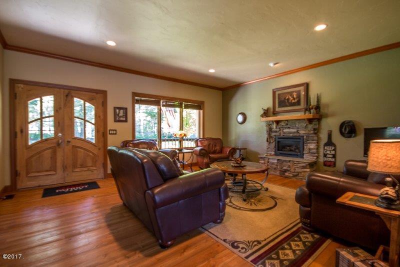 Additional photo for property listing at 185 Sylvan Drive  Bigfork, Montana 59911 United States