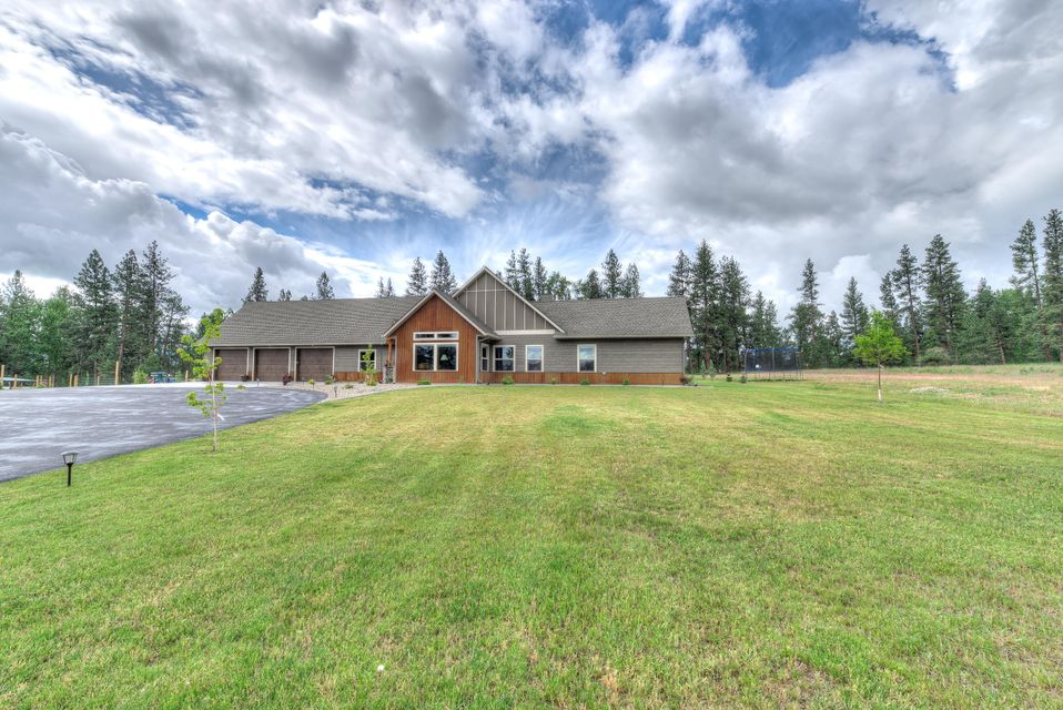 Single Family Home for Sale at 563 Sunrider Lane Florence, Montana 59833 United States