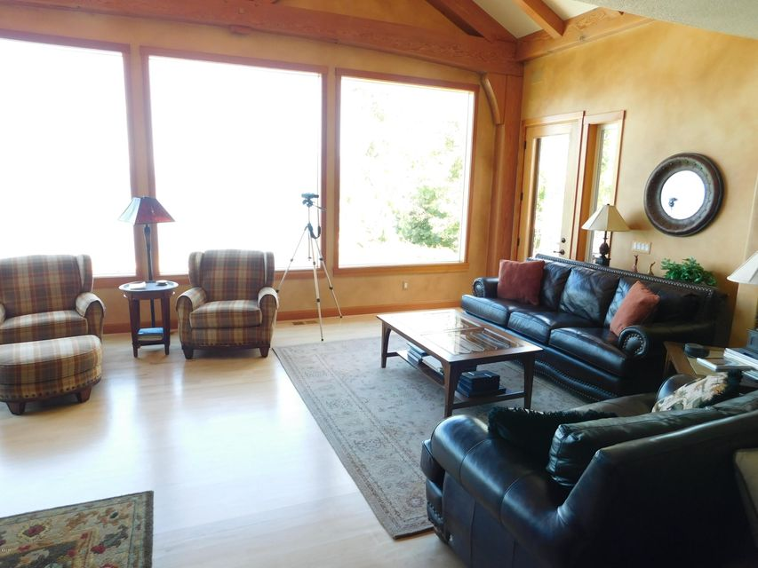 Additional photo for property listing at 1553 Bayview Drive  Polson, Montana 59860 United States