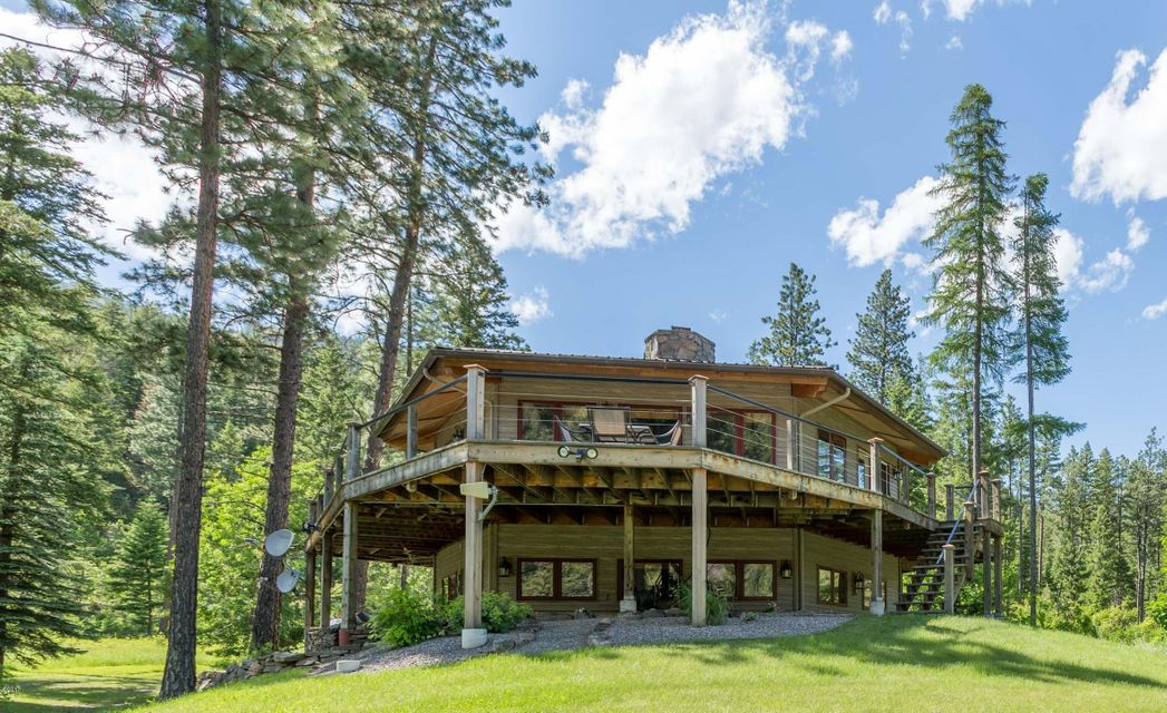 Single Family Home for Sale at 11000 Cambridge Road Bonner, Montana 59823 United States