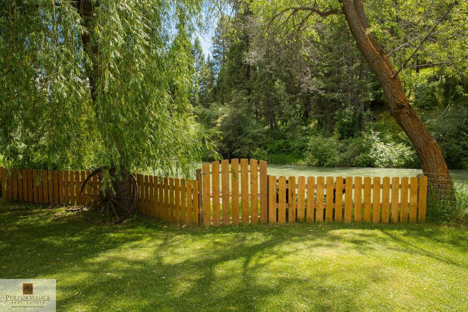 Additional photo for property listing at 880 Hodgson Road  Columbia Falls, Montana 59912 United States