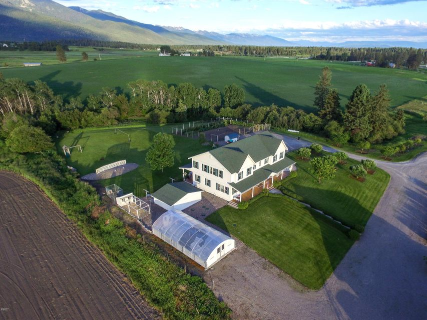 Additional photo for property listing at 221 Fairview Lane 221 Fairview Lane Columbia Falls, Montana 59912 United States