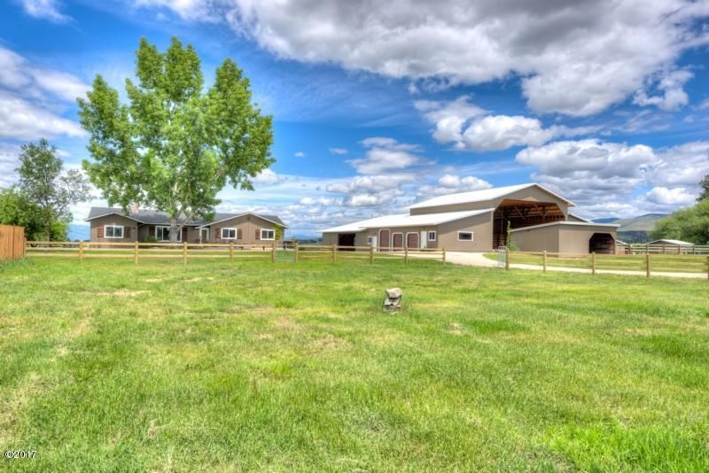 Single Family Home for Sale at 794 Mason Lane Corvallis, Montana 59828 United States