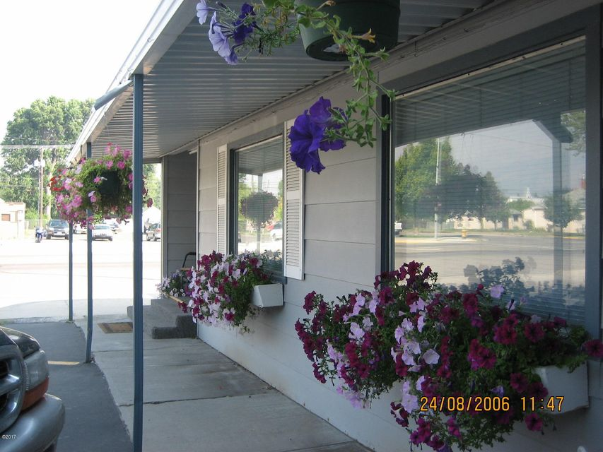 Additional photo for property listing at 415 West Main Street 415 West Main Street Hamilton, Montana 59840 United States