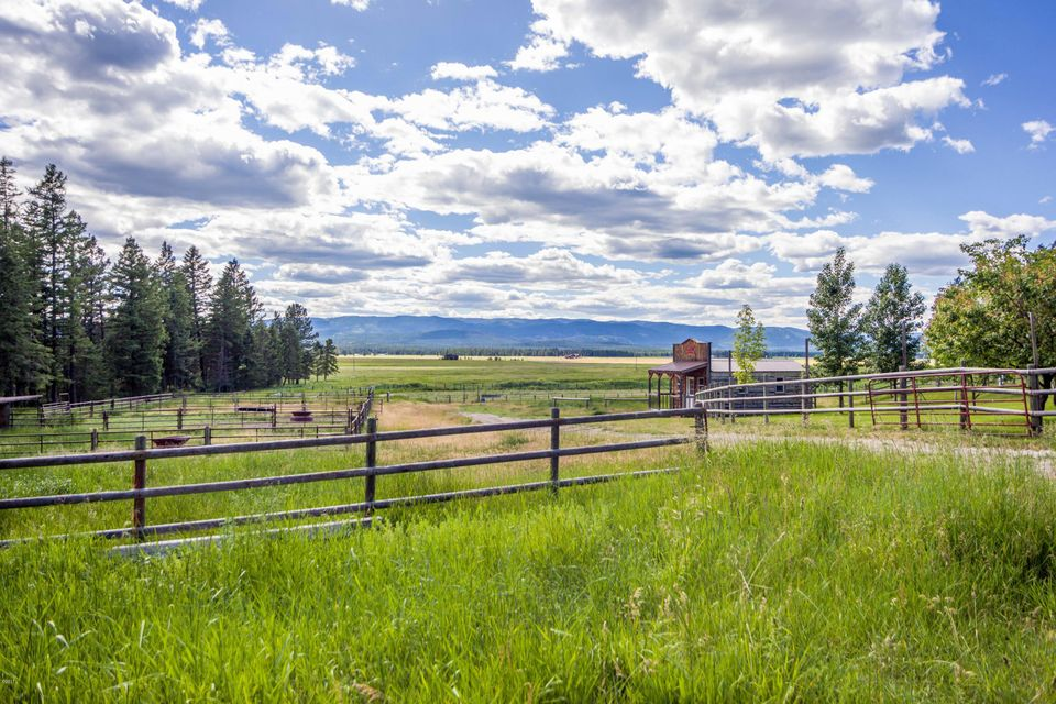 Additional photo for property listing at 734  K M Ranch Road  Whitefish, Montana,59937 États-Unis
