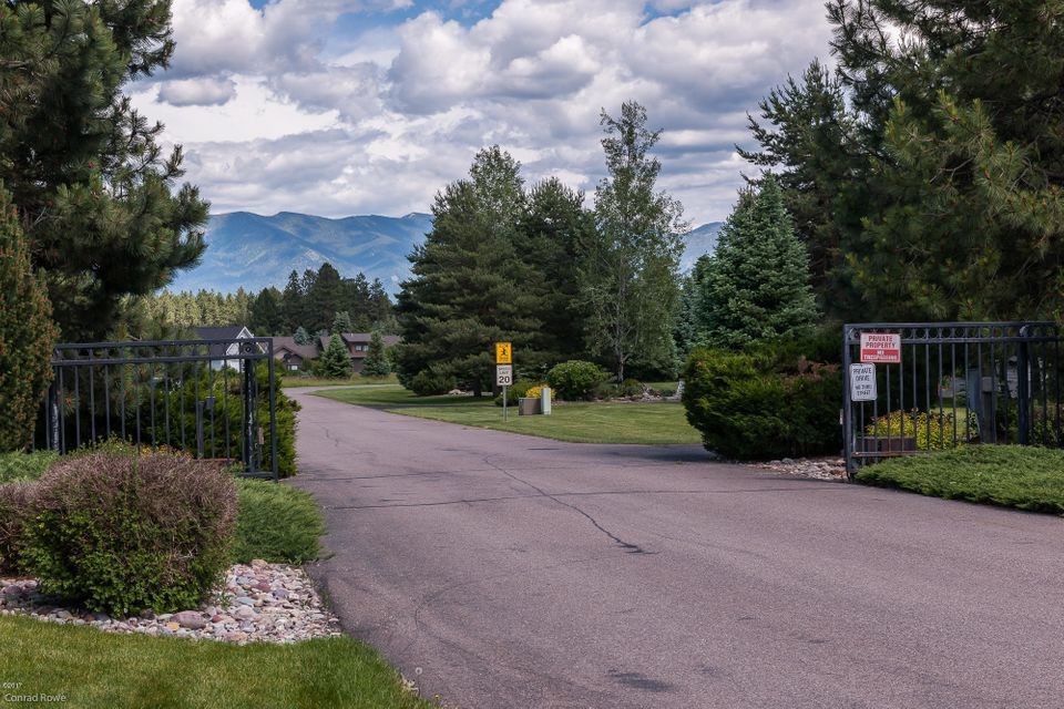 Additional photo for property listing at 300 Plantation Drive  Kalispell, Montana 59901 United States
