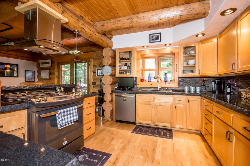 Additional photo for property listing at 230 Shawnee Drive  Bigfork, Montana 59911 United States