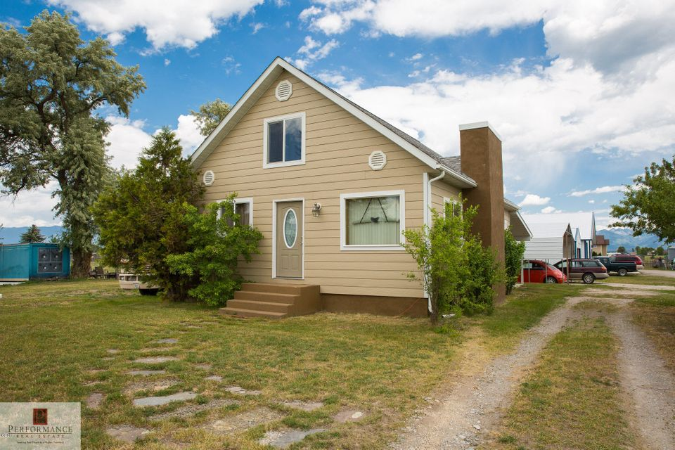 Single Family Home for Sale at 955 Somers Stage Road 955 Somers Stage Road Kalispell, Montana 59901 United States