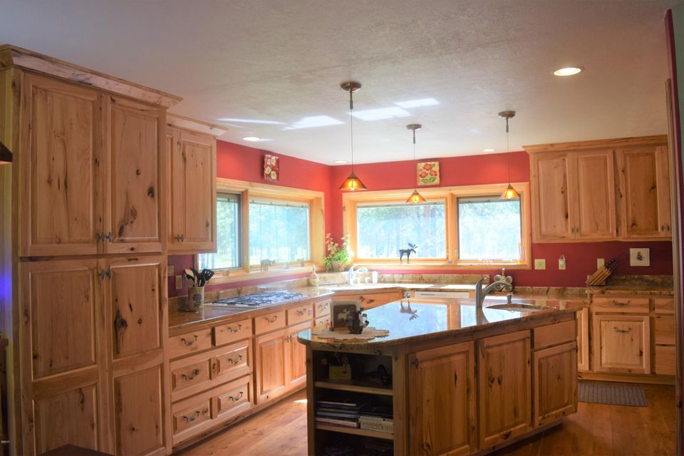 Additional photo for property listing at 9314 Deer Walk Way  Darby, Montana 59829 United States