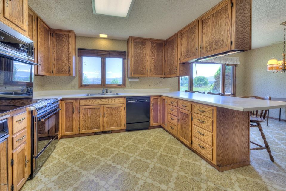 Single Family Home for Sale at 5011 U.S. Highway 93 N 5011 U.S. Highway 93 N Florence, Montana 59833 United States