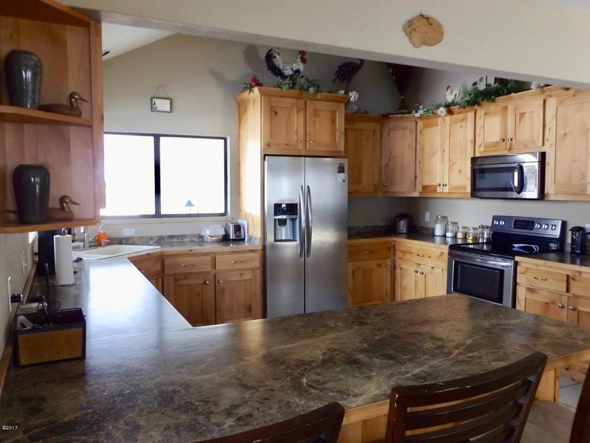 Additional photo for property listing at 836 Mason Lane  Corvallis, Montana 59828 United States