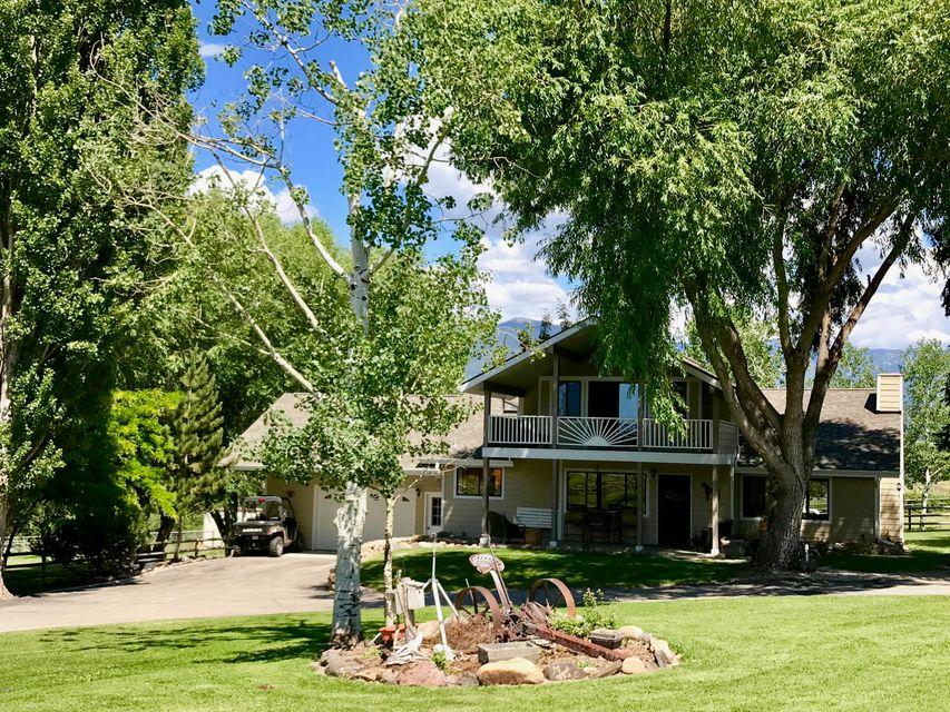 Single Family Home for Sale at 836 Mason Lane Corvallis, Montana 59828 United States