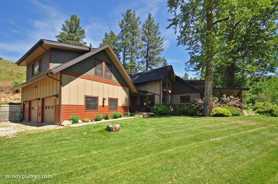 Single Family Home for Sale at 2126 Middle Burnt Fork Road 2126 Middle Burnt Fork Road Stevensville, Montana 59870 United States