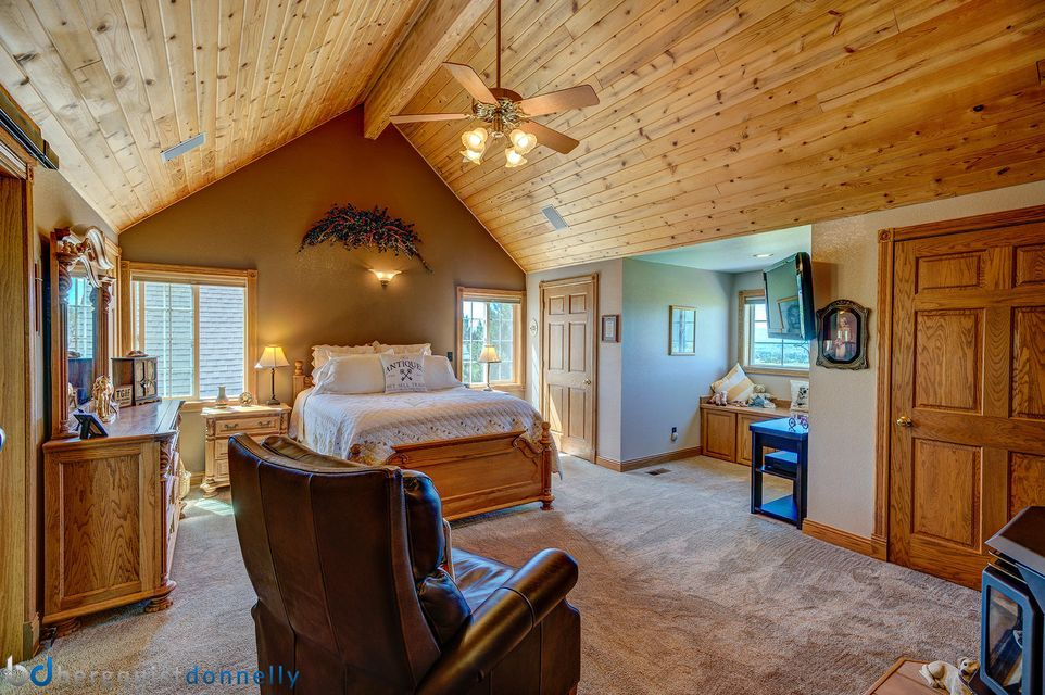 Additional photo for property listing at 674  Stage Springs Lane 674  Stage Springs Lane Stevensville, Montana,59870 Stati Uniti