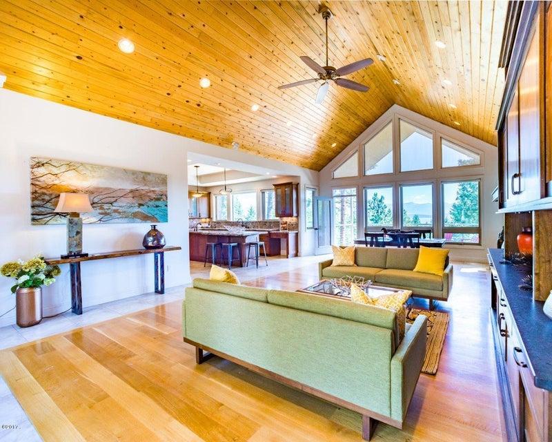 Tek Ailelik Ev için Satış at 115 Grey Owl Lane 115 Grey Owl Lane Somers, Montana,59932 Amerika Birleşik Devletleri