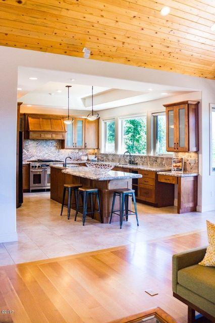 Additional photo for property listing at 115 Grey Owl Lane  Somers, Montana 59932 United States