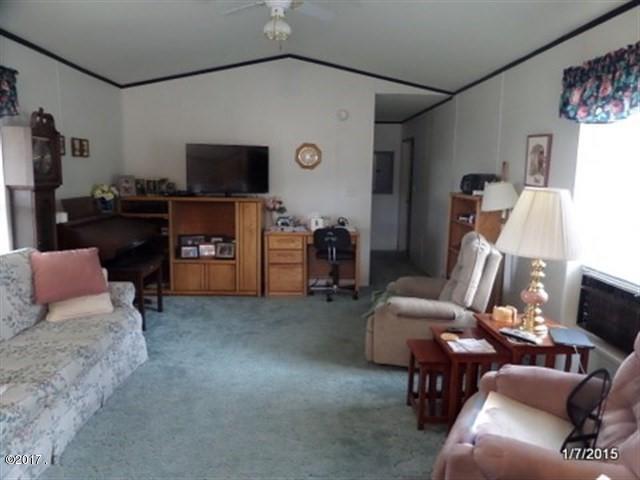 012_Living Area
