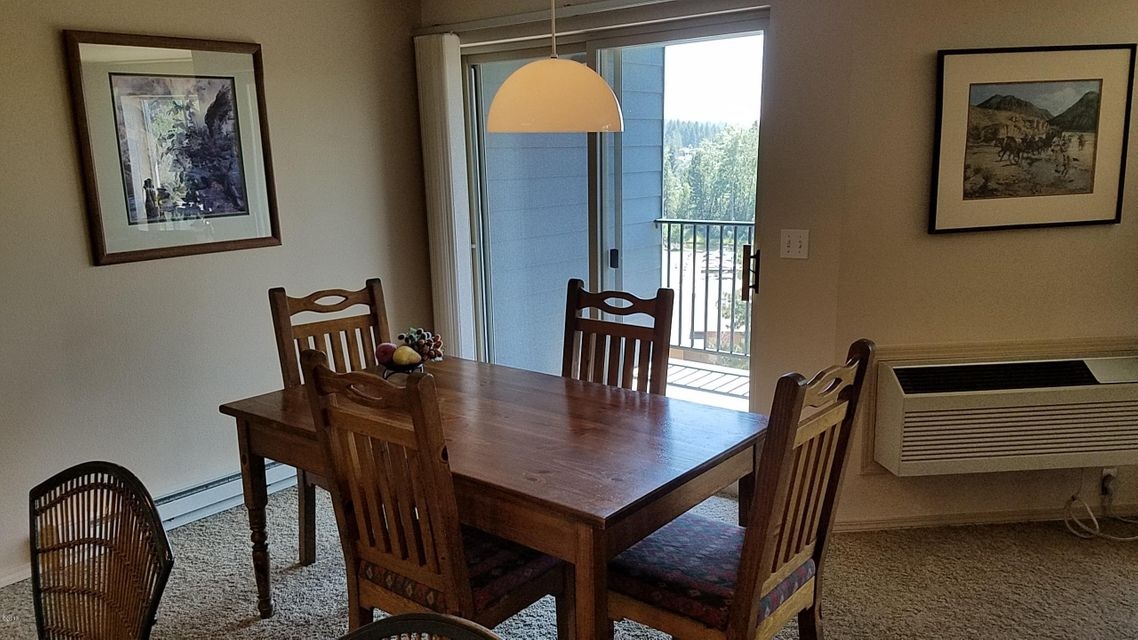 Marina cay condo for sale in bigfork mt - Dining