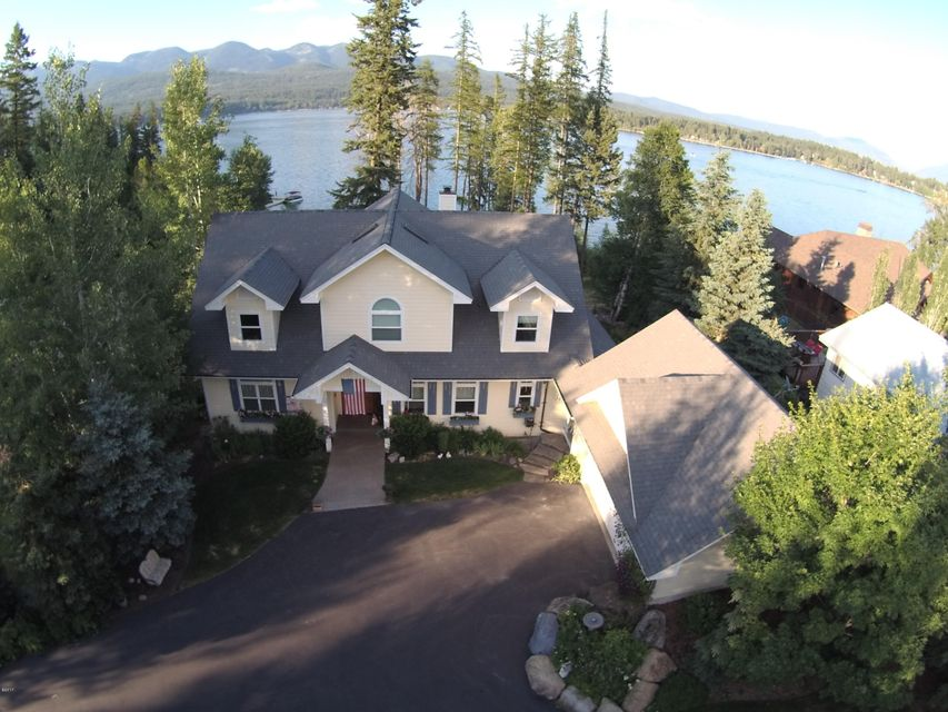 Single Family Home for Sale at 1450 West Lakeshore Drive Whitefish, Montana 59937 United States