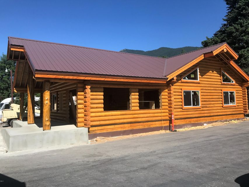 Additional photo for property listing at 8688 Hwy 2 East  Hungry Horse, Montana 59919 United States