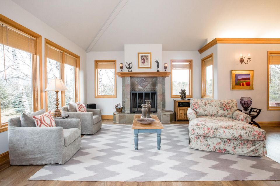 Additional photo for property listing at 308 Fairway Drive 308 Fairway Drive Whitefish, Montana 59937 United States