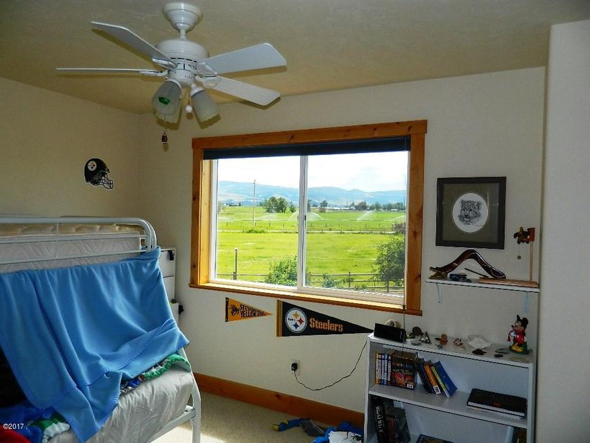 Additional photo for property listing at 739 Pine Hollow Road  Stevensville, Montana 59870 United States