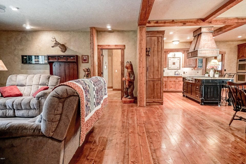Additional photo for property listing at 267 Lynnewood Drive  Columbia Falls, Montana 59912 United States