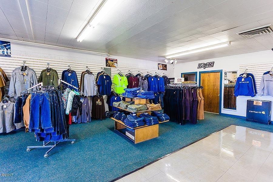 Additional photo for property listing at 1426 Us-93  Eureka, Montana 59917 United States