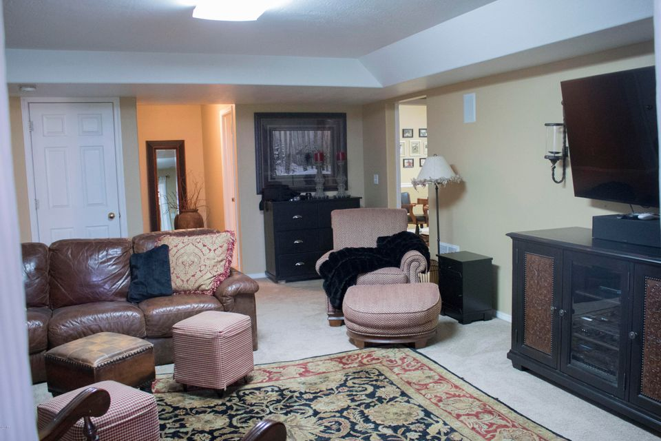Additional photo for property listing at 1585 Church Drive  Kalispell, Montana 59901 United States