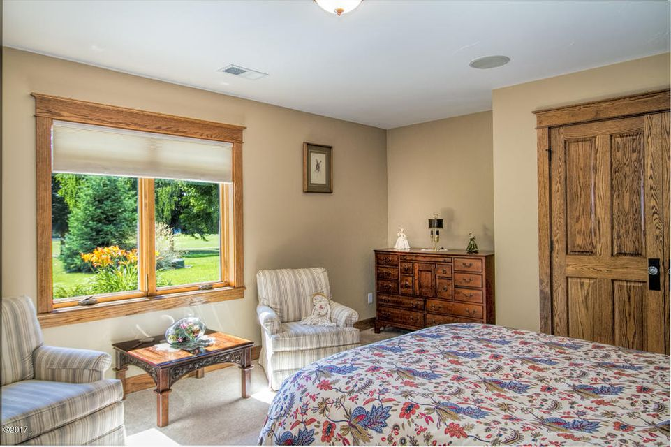 Additional photo for property listing at 209 Eagle Drive 209 Eagle Drive Polson, Montana 59860 United States