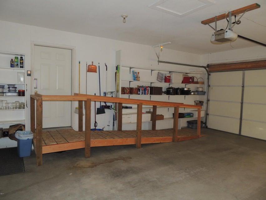 32 garage