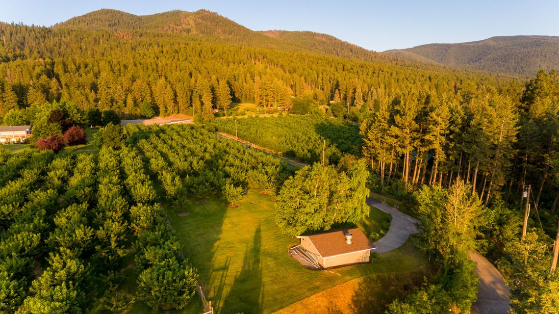 Additional photo for property listing at 22161 Mt Hwy 35 22161 Mt Hwy 35 Bigfork, Montana 59911 United States