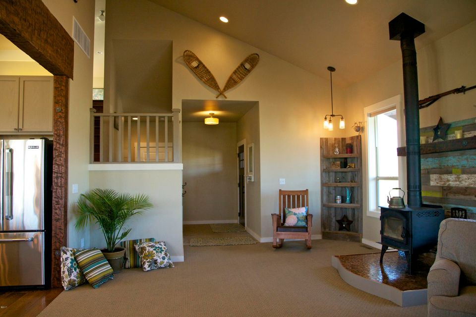 Additional photo for property listing at 200 Gracie Lane  Kalispell, Montana 59901 United States