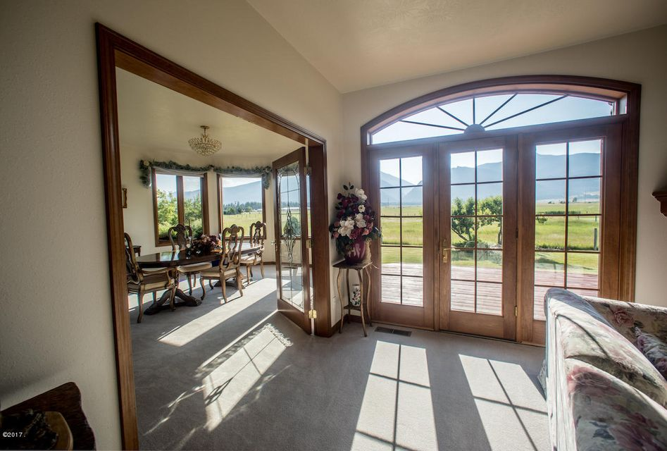 Additional photo for property listing at 4160 River Road  Stevensville, Montana 59870 United States