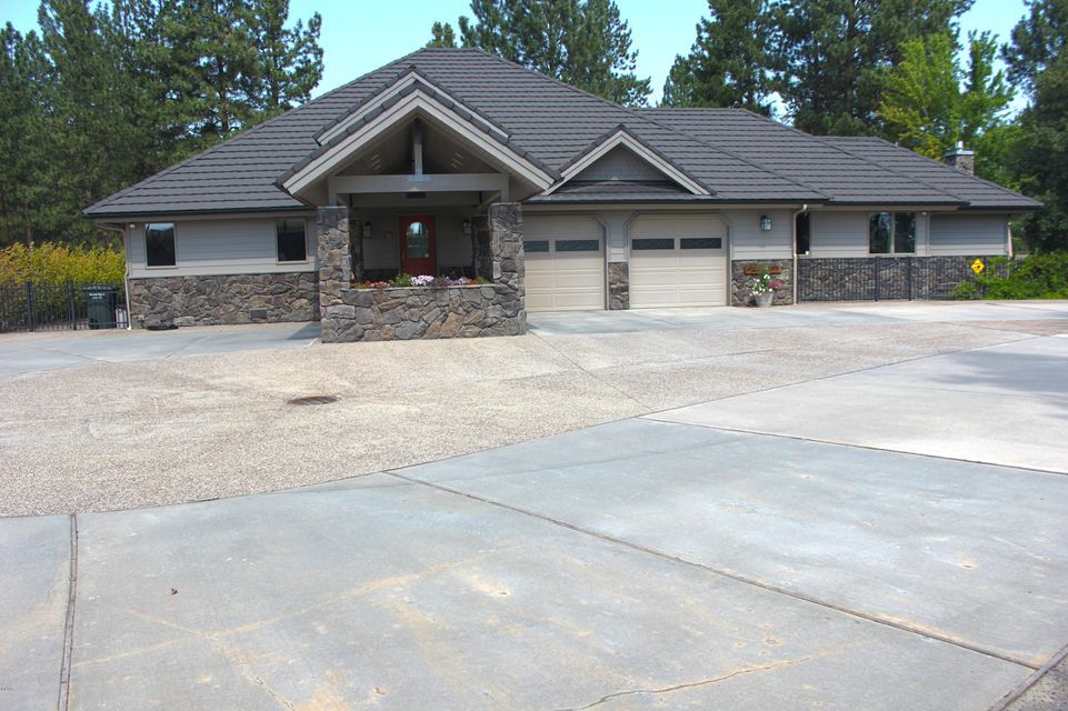 Single Family Home for Sale at 236 Oso Trail Victor, Montana 59875 United States