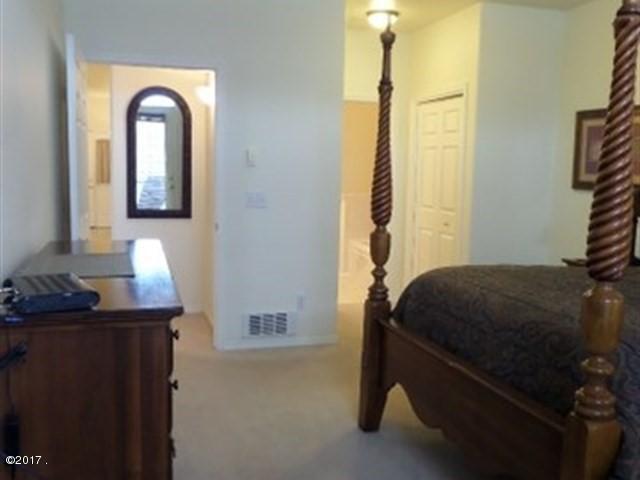 033_Master Bedroom