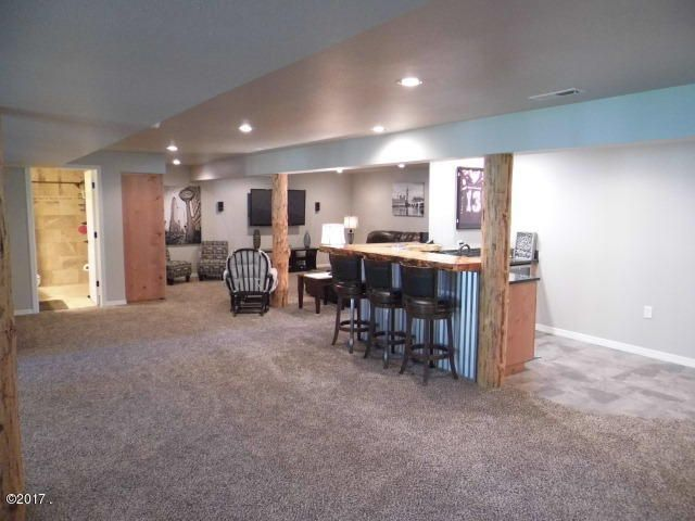 Lower Level Open Floor Plan with Wet Bar