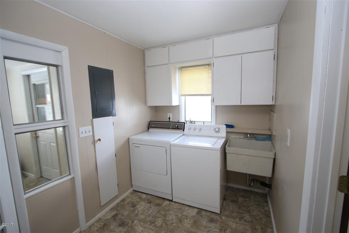 24 36 Helterline Lane laundry room (Medi