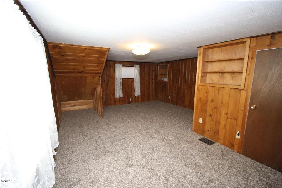 33 36 Helterline Lane 1 Upstairs Bedroom
