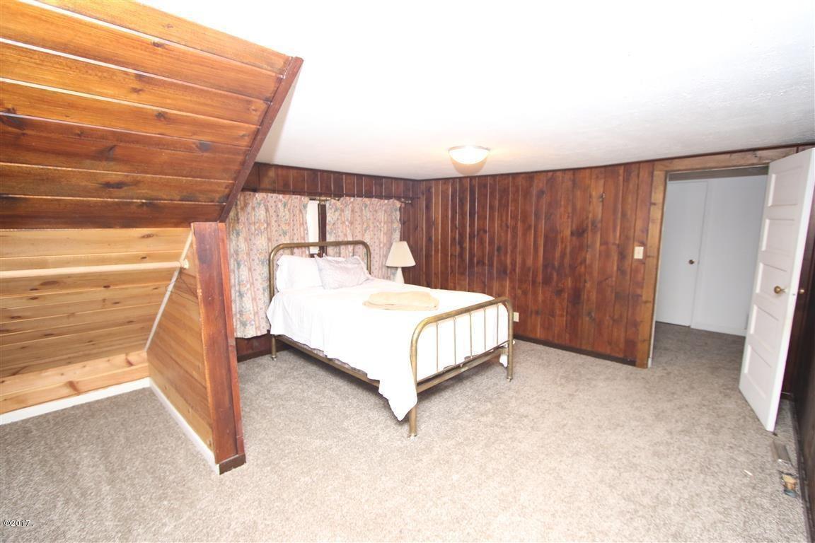 35 36 Helterline Lane 2 Upstairs bedroom