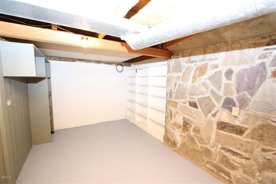 47 36 Helterline Lane pantry room 1 (Med