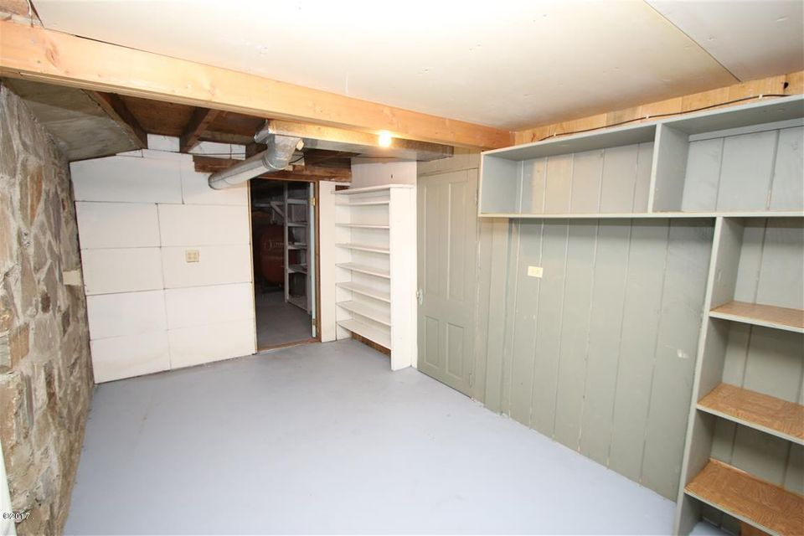 48 36 Helterline Lane pantry room 2 (Med