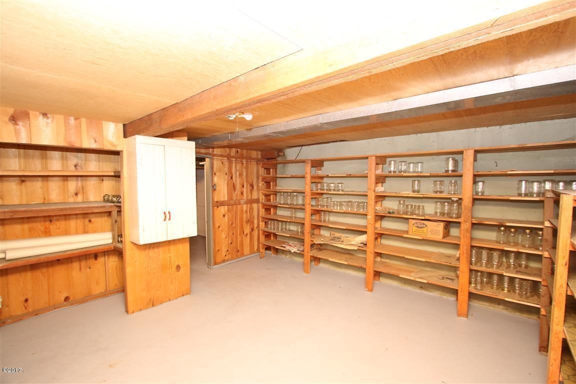 50 36 Helterline Lane root cellar 2 (Med